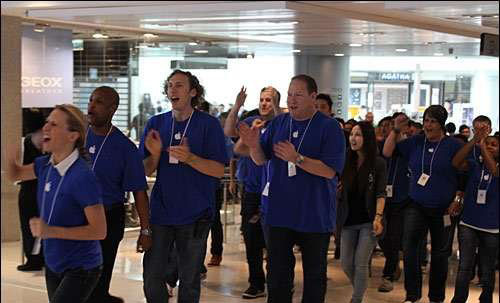 first apple store in hong kong opens